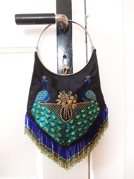 Handtasche mit Pfauen und Perlen