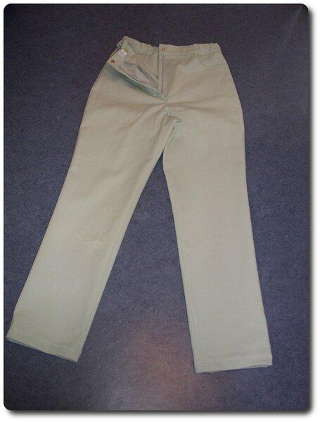 Schlichte Hose in Länge 158, Weite 152