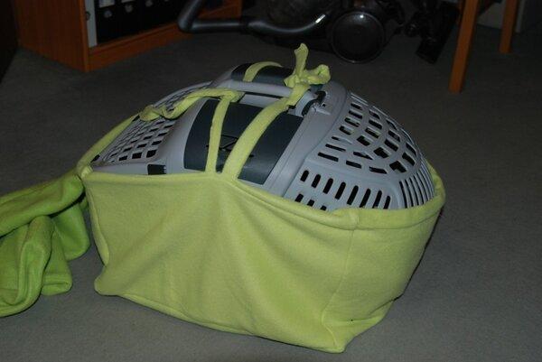 Überzug für eine Transportbox für Katzen