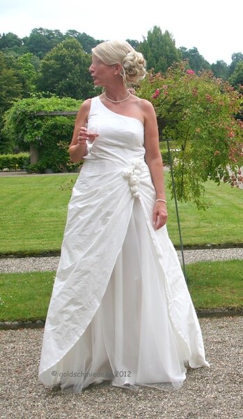 Brautkleid frei nach Burda 8321 und 7474