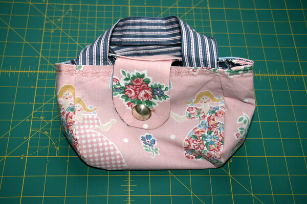Two hour tulip purse