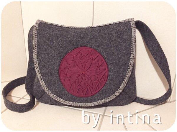 Trachtentasche mit Mieder-Einsatz