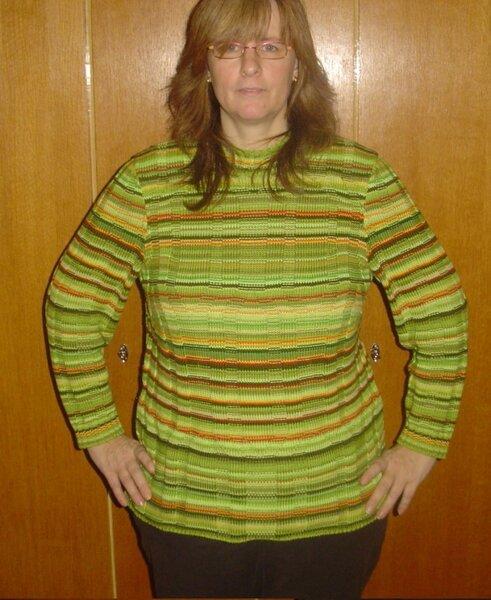 Grüner Streifen-Pulli