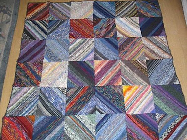 Decke aus Sockenwollresten