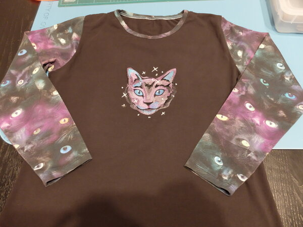 Shirt: Mysterious Cat Eyes