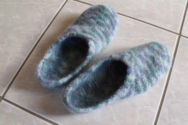 Filz-Pantoffeln mit Wolle vom Aldi - meine erste Strick-Orgie mit Nadelspie