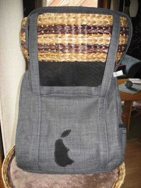 2. Petrillo Bag mit Lederdetails