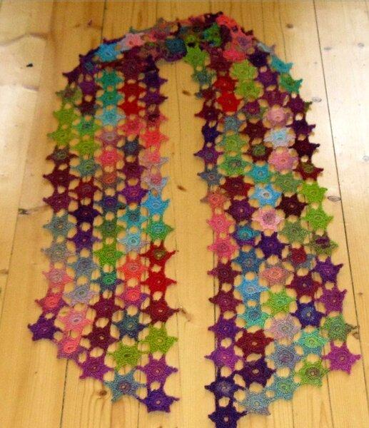 gehäkelter Sternchen-Schal