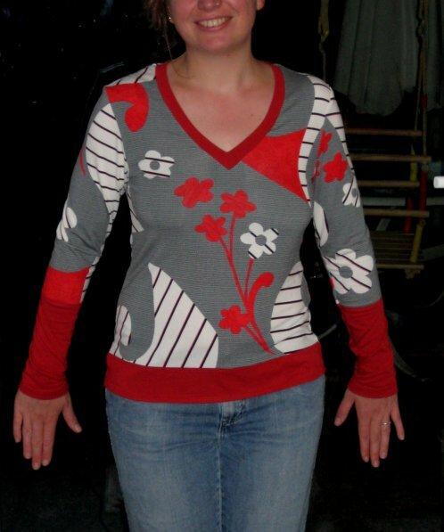 Shirt mit angesetztem Bund und angesetzten Ärmel und jetzt auch mit hübsche