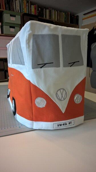 VW-Bulli als Nähmaschinen-Haube