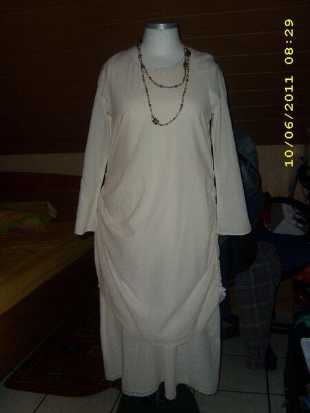 Kleid aus Käseleinen