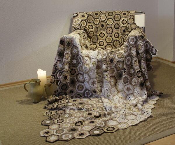 Die-400 Hexagons-vier-Jahre-häkeln-Decke