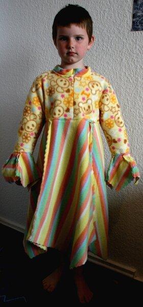 für meine kleine ist es ein regenbogenkleidchen ;-)