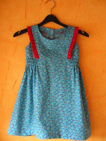 Kleidchen mit Rüsche