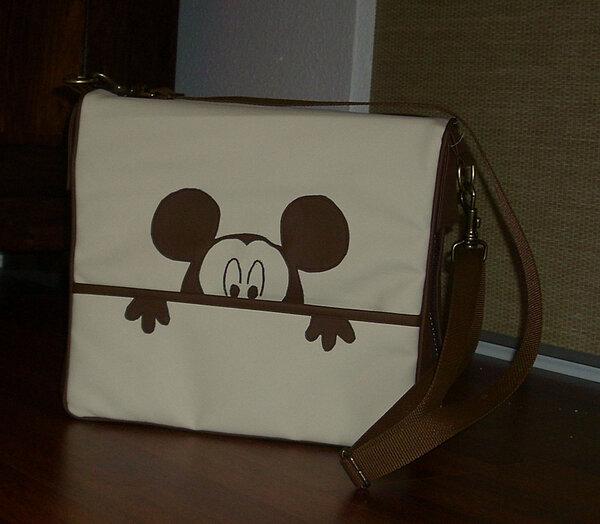 Aktentasche mit Mickey Mouse
