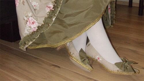 Passende Schuhe für Kostüme selbstgemacht