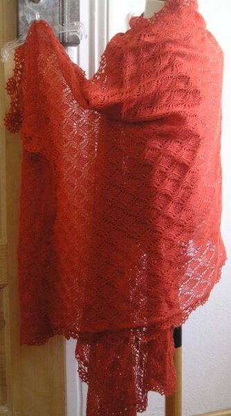 Lace-Schal mit Häkelspitze