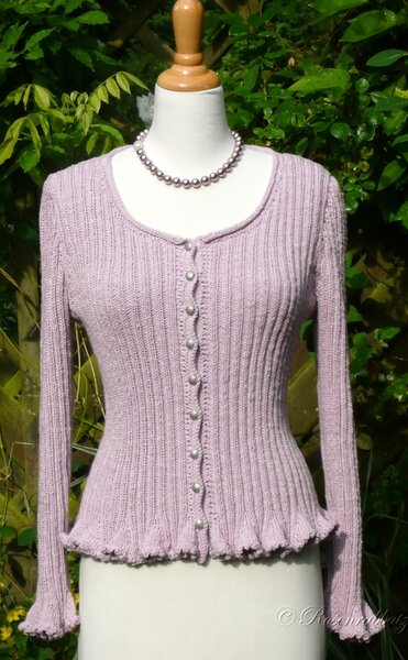 'Ribbed Cardi' von Melody Griffiths...