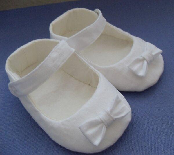 Schuhe zum Taufkleid