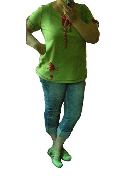 ein apfelgrünes Shirt.....