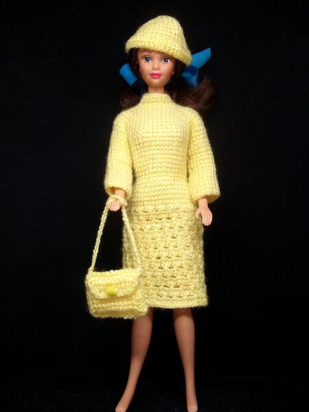 gelb tunesisch gehäkeltes Kleid mit Mütze und Tasche