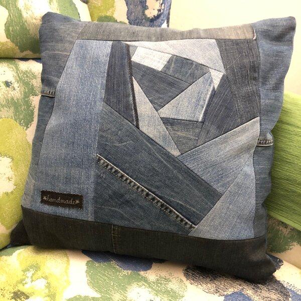 Erste Versuche im Crazy Patchwork aus ausrangierten Jeans...