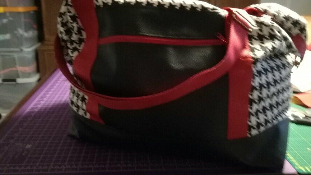 Reisetasche von vorne.jpg