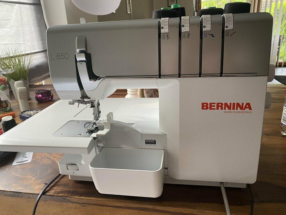Bernina L850 Front