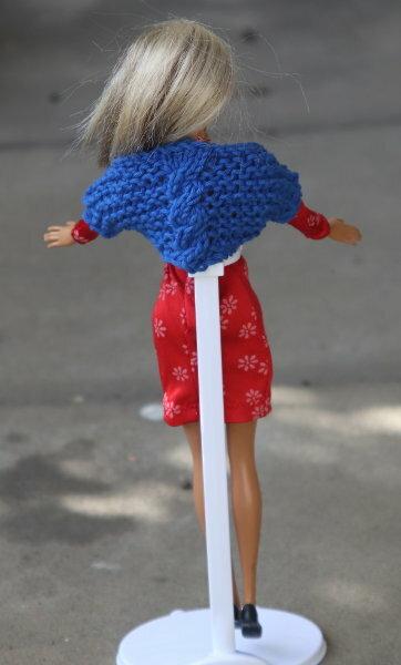 Shrug zum Kleid
