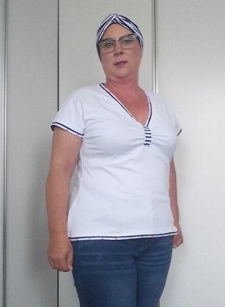Maritimes weißes Shiert