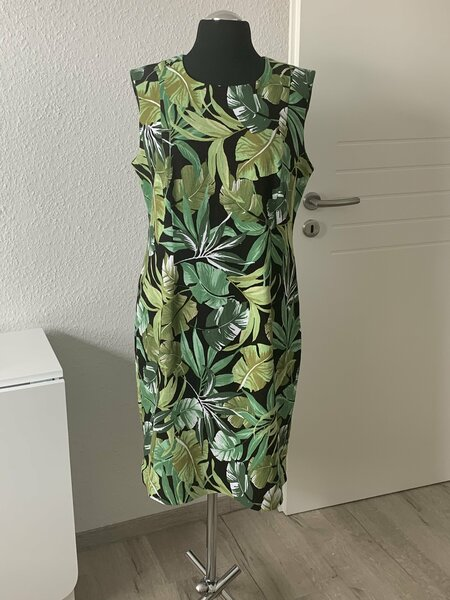 Kleid nach eigenem Grundschnitt erstellt
